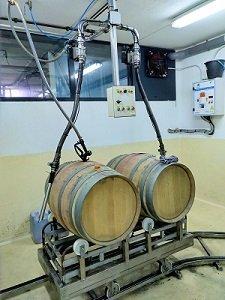 Tren de llenado de Barricas de Vino